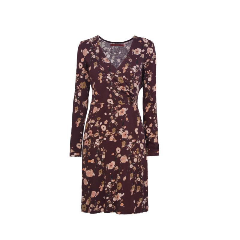 15-08-26-dress00